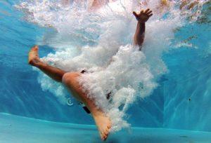 Alarme piscine : tout sur le détecteur de chute
